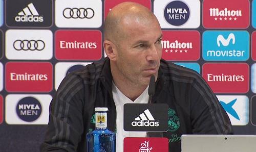 Zidane không hiểu sao Real bị coi là kẻ cướp. Ảnh: Marca.