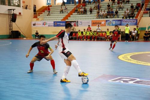Tiến Dụng, Đức Chinh háo hức đến xem Futsal tại Đà Nẵng từ rất sớm  - 4