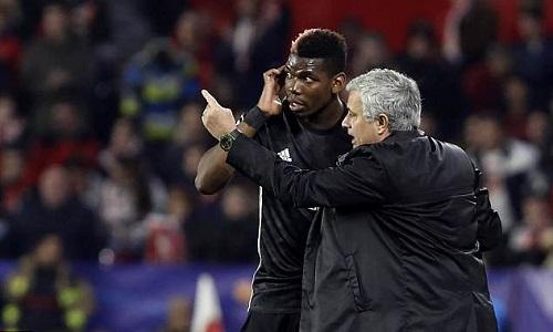 Mourinho đã hết kiên nhẫn với Pogba. Ảnh: AP.