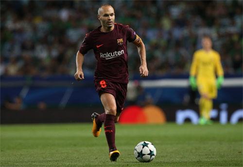Iniesta đang đi đến giai đoạn cuối của sự nghiệp. Ảnh: Reuters