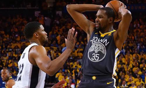 Durrant khỏa lấp nỗi nhớ Curry, Warriors thắng dễ Spurs