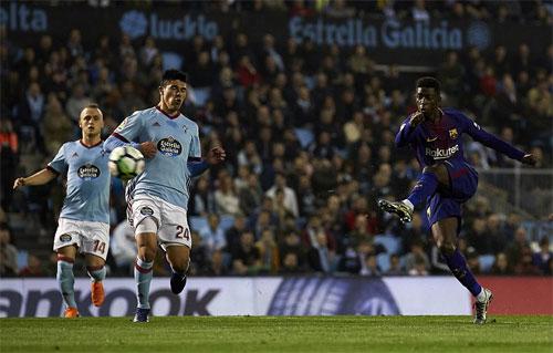 Dembele mở tỷ số cho Barca.