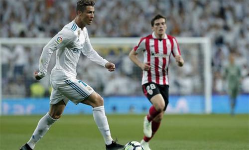 Ronaldo cứ vào sân là ghi bàn trong 12 trận vừa qua. Ảnh: Reuters