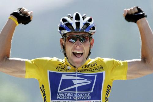 Lance Armstrong trong màu áo đội Dịch vụ bưu điện Mỹ. Ảnh:AFP.