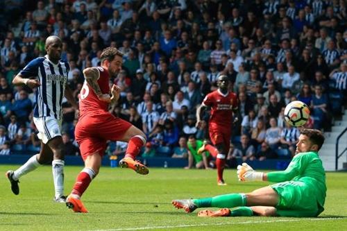 Ings mở tỷ số cho Liverpool bằng pha đệm bóng cận thành. Ảnh: Reuters.