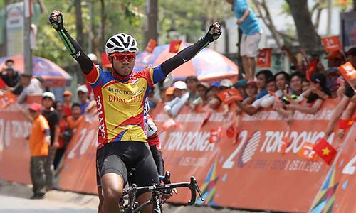 Tấn Hoài lần thứ hai liên tiếp đoạt ngôi thắng chặng Cup 2018. Ảnh: Văn Thuận.