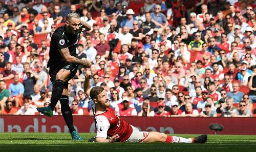 Arnautovic chọc thủng lưới Arsenal.