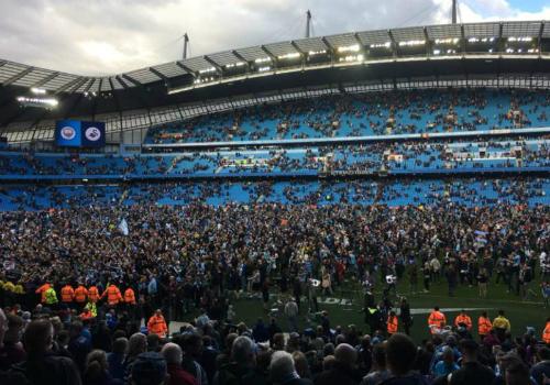 Man City đại thắng trận đầu tiên trên ngôi vô địch