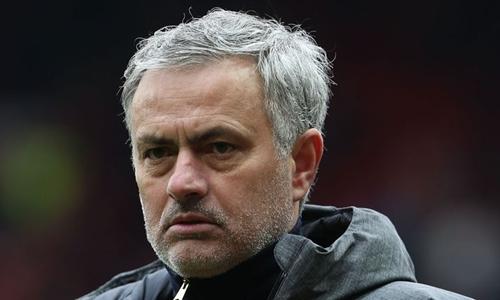 Mourinho có cơ hội đoạt một danh hiệu trong mùa 2017-2018. Ảnh: PA.