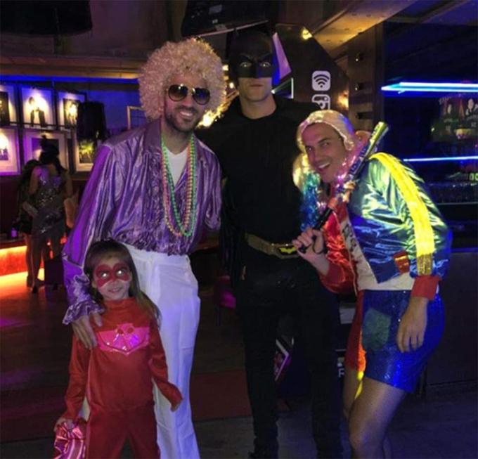 Sao Chelsea hóa trang vui nhộn dự tiệc sinh nhật David Luiz