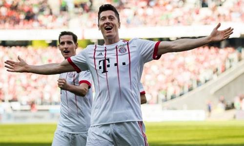 Lewandowski được xem là mục tiêu hàng đầu của Real ở mùa hè tới. Ảnh: AFP.