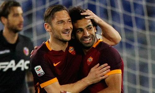 Totti và Salah khi còn sát cánh cùng nhau tại Roma. Ảnh: AFP.