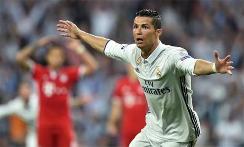 Các đội bóng Đức luôn đau đầu vì Ronaldo. Ảnh: Reuters