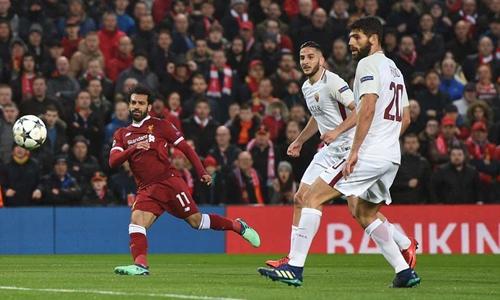 Tình huống dứt điểm tung lưới Roma của Salah. Ảnh: PA.