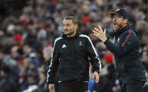HLV của Roma nổi giận vì học trò chơi bạc nhược. Ảnh: AP.