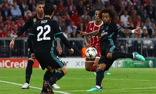 Cú vô lê gỡ hòa của Marcelo giúp Real khởi đầu cuộc ngược dòng. Ảnh: Reuters