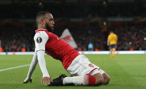 Lacazette là người ghi bàn duy nhất cho Arsenal tối 26/4. Ảnh: BPI