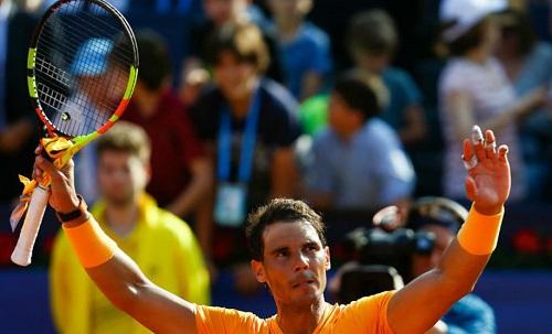 Nadal cứu ba set point, vào bán kết Barcelona Mở rộng