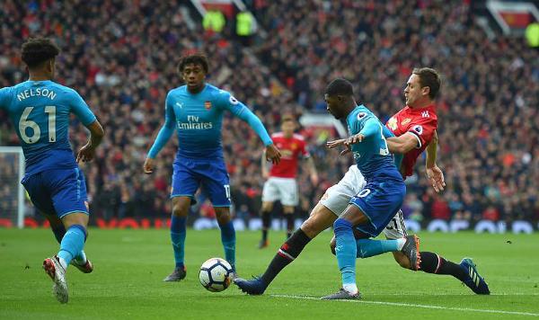 Arsenal ra sân với đội hình gồm nhiều cầu thủ trẻ. Ảnh: AFP.