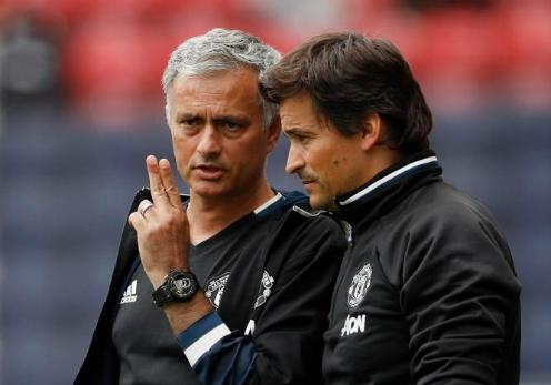 Mourinho và Faria đã có hai thập niêngắn bó. Ảnh:Reuters.