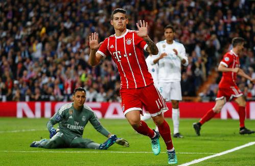James Rodriguez đẩy kịch tính lên cao với bàn gỡ hòa 2-2. Ảnh:Reuters.