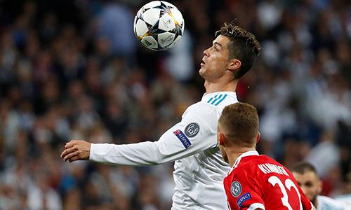 Cùng Real thắng chung cuộc Bayer 4-3, Ronaldo có lần thứ tư cùng Real Madrid vào chung kết Champions League. Ảnh: Reuters.