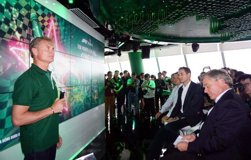 David Coulthard chia sẻ trong buổi họp báo tại TP Hồ Chí Minh. Ảnh:Đông Huyền.