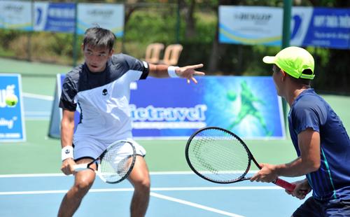 Hoàng Nam và Quốc Khánh vào chung kết ngay ở giải đầu tiên đánh cặp cùng nhau.