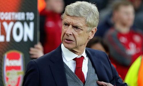 Quyết định lựa chọn đội hình của Wenger sẽ ảnh hưởng đến cơ hội trụ hạng của các đội trong nhóm cuối bảng Ngoại hạng Anh. Ảnh: AFP.