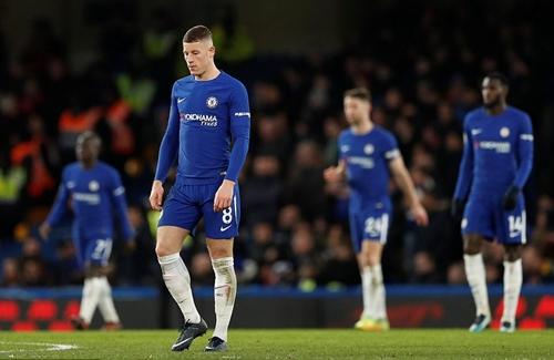 Tân binh Barkley đá chính nhưng không giúp được gì cho Chelsea. Ảnh: Reuters.