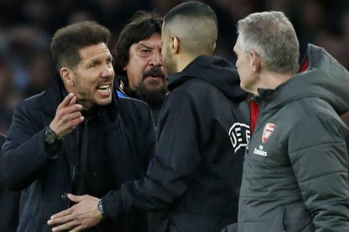 Giây phút bốc đồng của Simeone khiến ông phải trả giá đắt. Ảnh:Reuters.