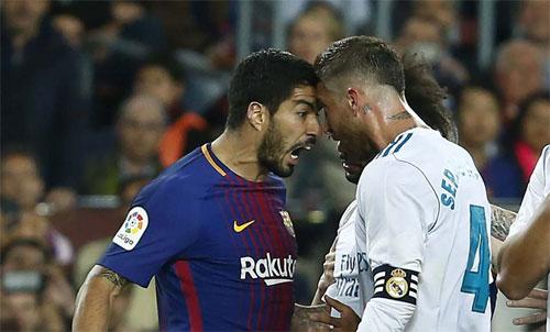 El Clasico căng thẳng khi có một thẻ đỏ và tám thẻ vàng.