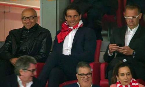 Nadal gặp rắc rối vì áo đấu của Atletico Madrid