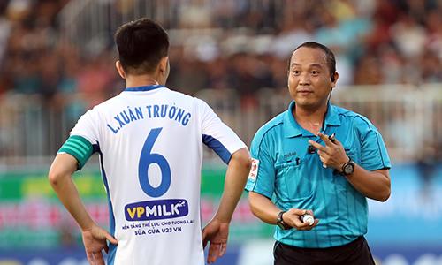 Thu nhập của các trọng tài Việt Nam được VPF lo khá tốt,mỗi trận bắt chính nhận 8 triệu đồng (chưa trừ thuế).