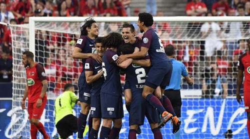 PSG mừng chiến thắng tại chung kết Cup Quốc gia Pháp. Ảnh: AFP.