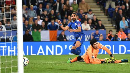 Bàn thắng ấn định tỷ số của Riyad Mahrez cho Leicester. Ảnh:AFP.