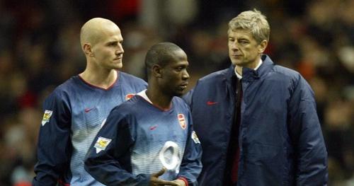 Laurent (giữa) từng là trò cưng của Wenger. Ảnh: PA.