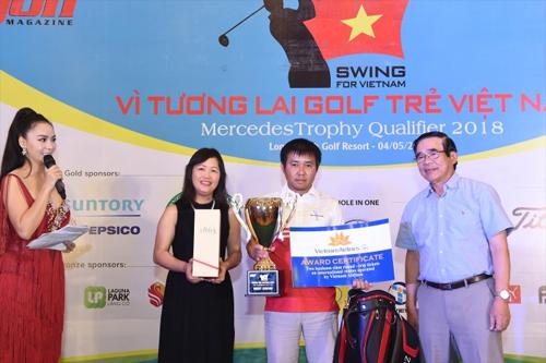 Giải Swing For Vietnam quyên góp gần 200 triệu đồng cho quỹ golf trẻ