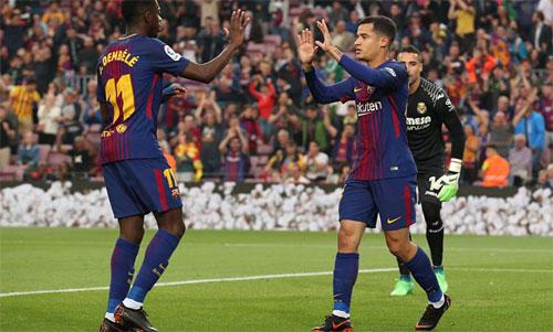 Cặp sao đắt giá Dembele - Coutinho cùng tỏa sáng. Ảnh: Reuters