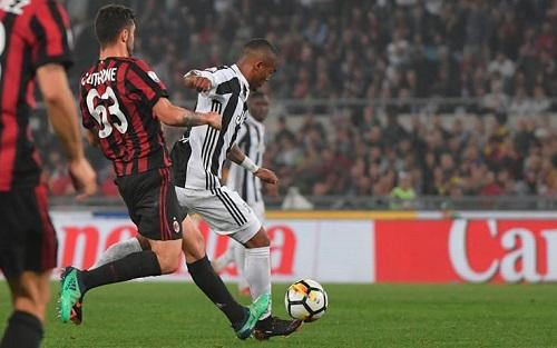 Juventus bùng nổ ở hiệp hai, nhưng Milan cũng phải tự trách họ. Ảnh: SS.