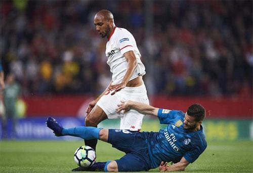Sevilla giành được ba điểm quý giá trước Real.