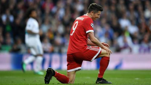 Lewandowski không thể nổ súng trong trận cuối Bundesliga. Ảnh:AFP.
