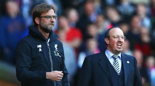 Klopp chạm trán Benitez trong trận đấu giữa Liverpool và Newcastle. Ảnh:AFP.