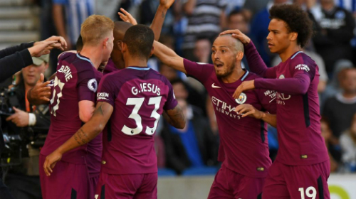 Man City sắp xác lập cột mốc mới cho bóng đá Anh. Ảnh:Reuters.