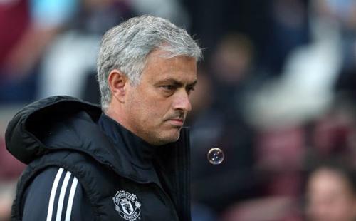 Hai cách lý giải của Mourinho về việc Man Utd đứng nhì bảng Ngoại hạng Anh
