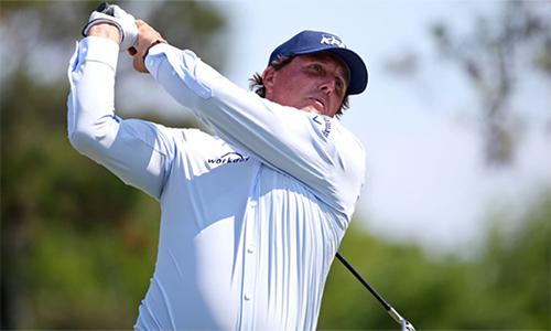 Phil Mickelson không tạo được màn ngược dòng ở vòng hai sau những sai lầm liên tiếp. Ảnh: PGA Tour.