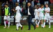 Stoke kéo Swansea cùng rớt khỏi Ngoại hạng Anh