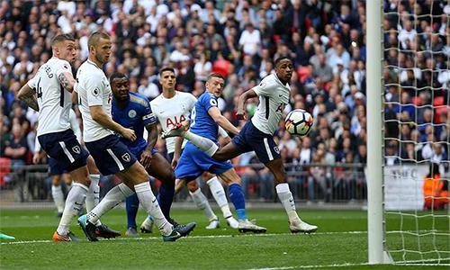 Leicester làm tất cả những gì có thể hòng tìm kiếm chiến thắng tại Wembley, nhưng không đạt mục tiêu. Ảnh: PA.