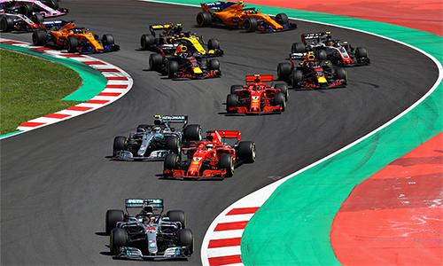 Ferrari có vòng đua thảm hoạ, dù hai tay đua của họ có vị trí xuất phát tứ hai và thứ tư. Ảnh: AP.