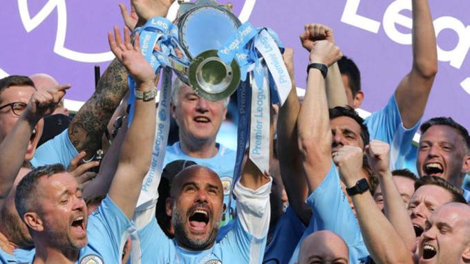 Những CLB chạm mốc 100 điểm mỗi mùa của bóng đá châu Âu